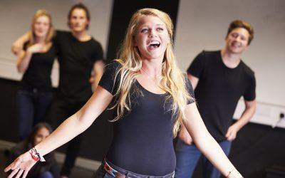 Teatru si jocuri de improvizatie la cursul de canto, Promotia C15